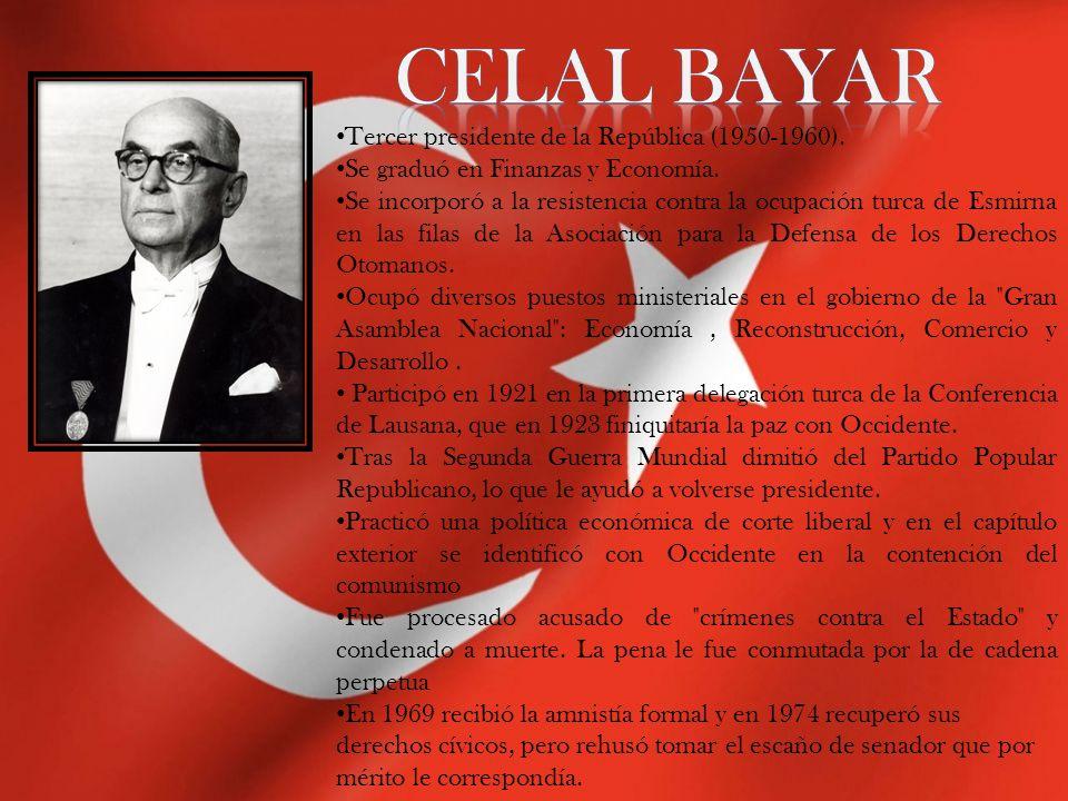 Tercer presidente de la República (1950-1960). Se graduó en Finanzas y Economía. Se incorporó a la resistencia contra la ocupación turca de Esmirna en