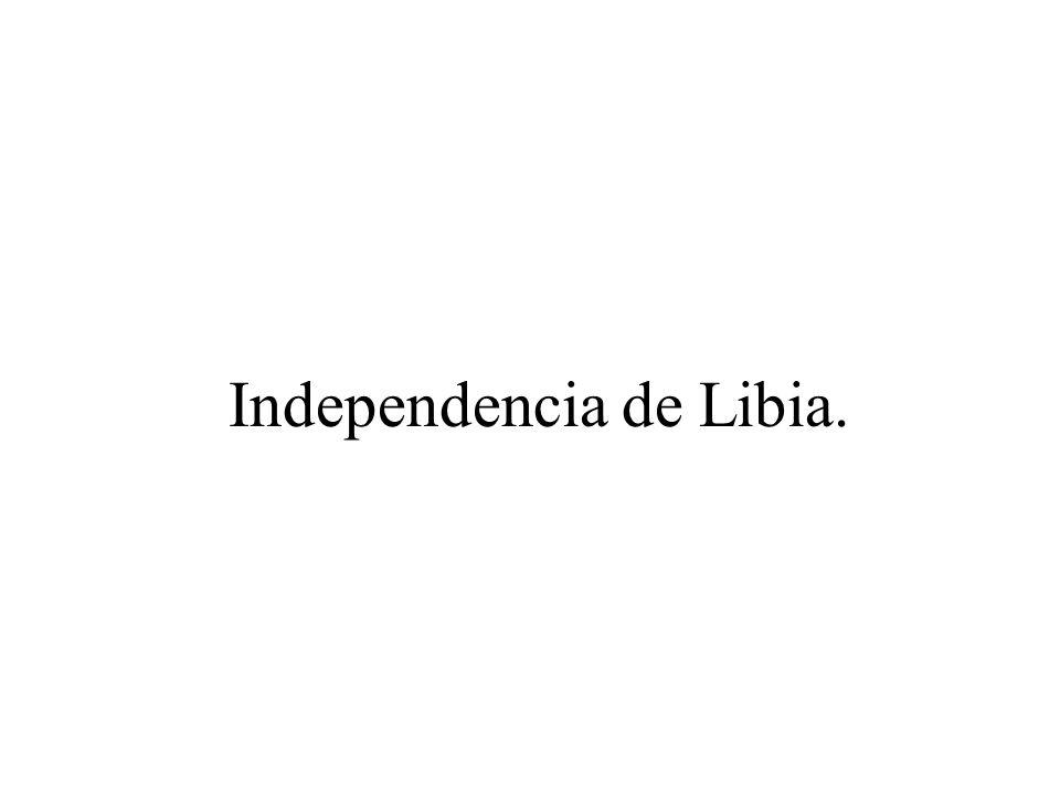 Después de la segunda guerra mundial los problemas entre las potencias occidentales y la URSS provocaron que la ONU decidiera declarar la independencia del país dejando en manos de Sidi Idris quien había colaborado con los aliados durante la guerra.