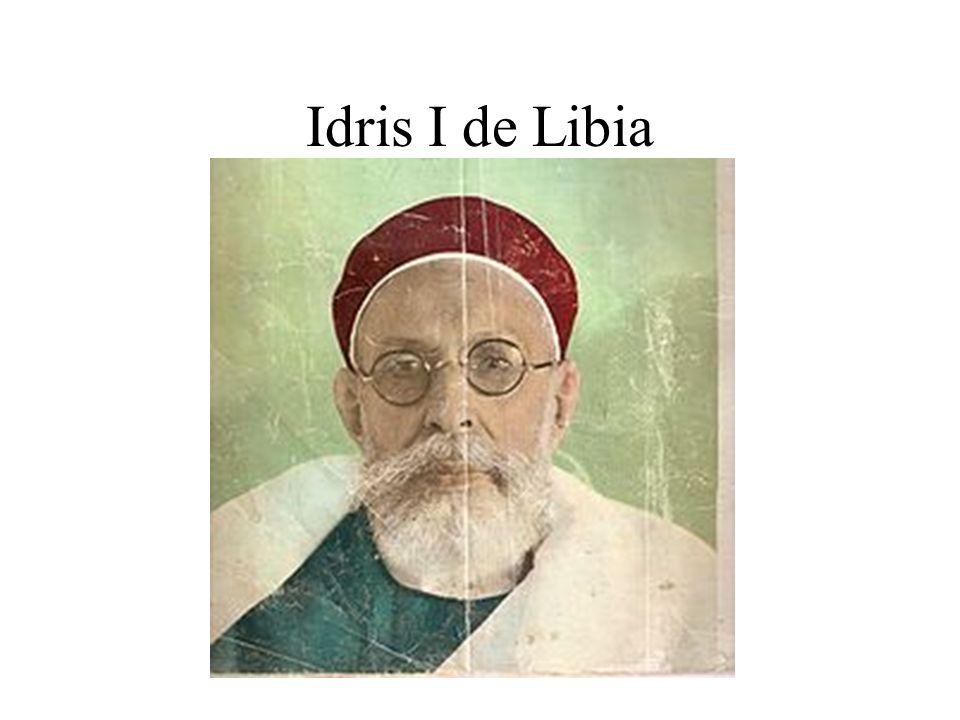 Constituye una monarquía en el nombre de Idris primero.
