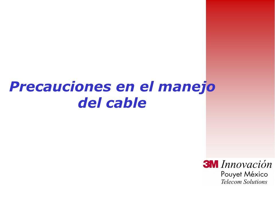 Rutas de cables de oficina Si la distribución se realiza mediante canaleta, se recomienda de varios compartimientos : Un compartimiento para corriente