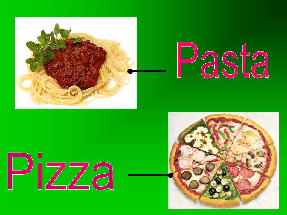 En Italia abundan una gran elección de guisos y estofados además de la abundancia de platos con pastas estirada (espaguetis) y rellenas de macarrones
