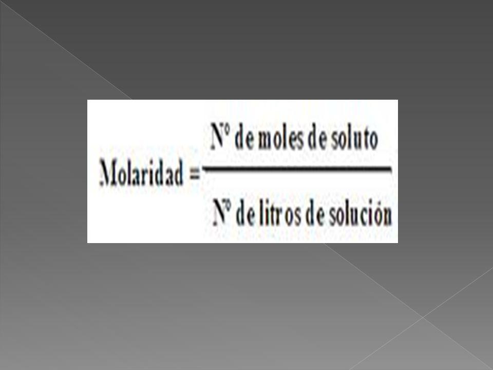 M = n / v Donde M es la molaridad.