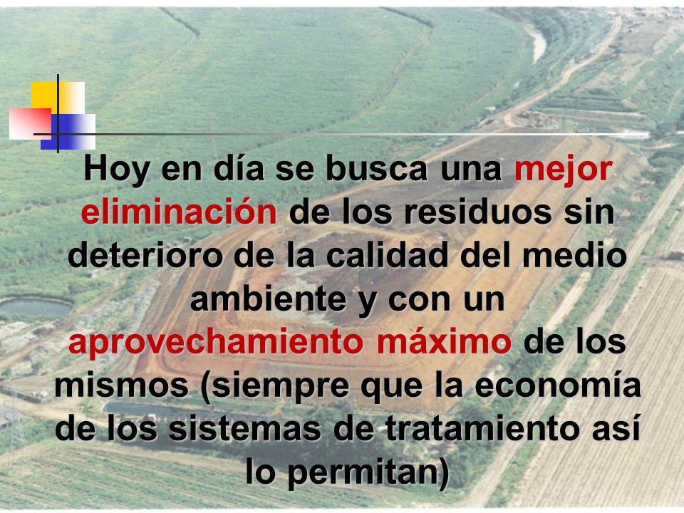 DIAGNÓSTICO PARA COLOMBIA (2008) A nivel nacional, se puede observar que en 12 departamentos del país menos del 60% de los municipios del departamento dispone los residuos generados en rellenos sanitarios o plantas integrales de residuos sólidos; esto equivale a 229 municipios que representan la generación de 1.277,34 toneladas/día, es decir el 71.12% de la producción total de residuos dispuestos inadecuadamente en el País.