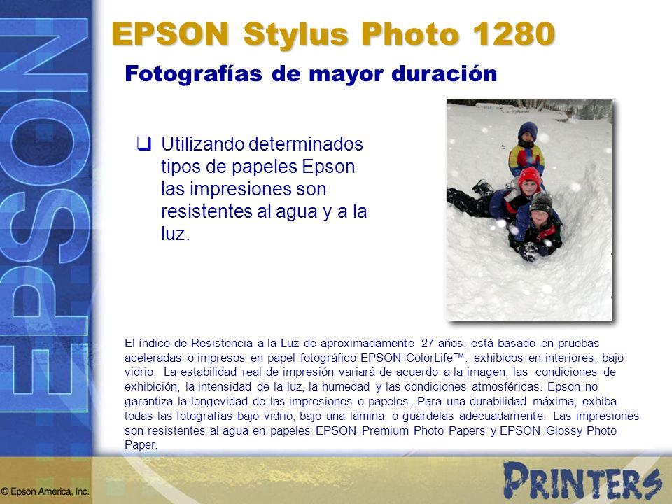 Fotografías de mayor duración Utilizando determinados tipos de papeles Epson las impresiones son resistentes al agua y a la luz.