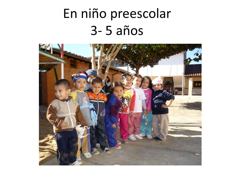 En niño preescolar 3- 5 años