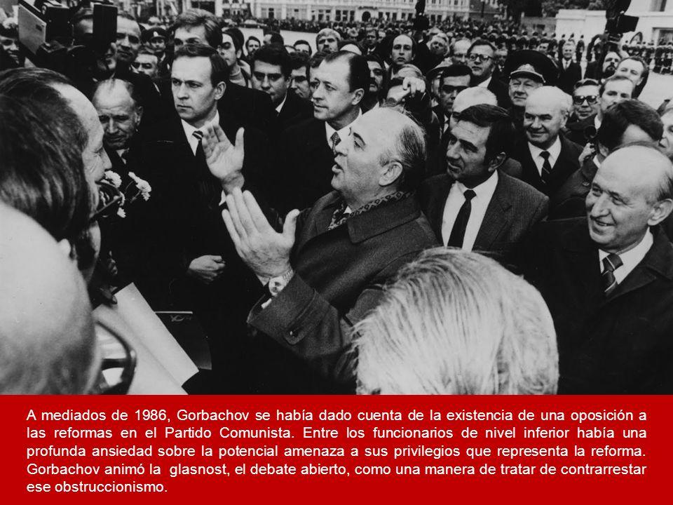 A mediados de 1986, Gorbachov se había dado cuenta de la existencia de una oposición a las reformas en el Partido Comunista. Entre los funcionarios de