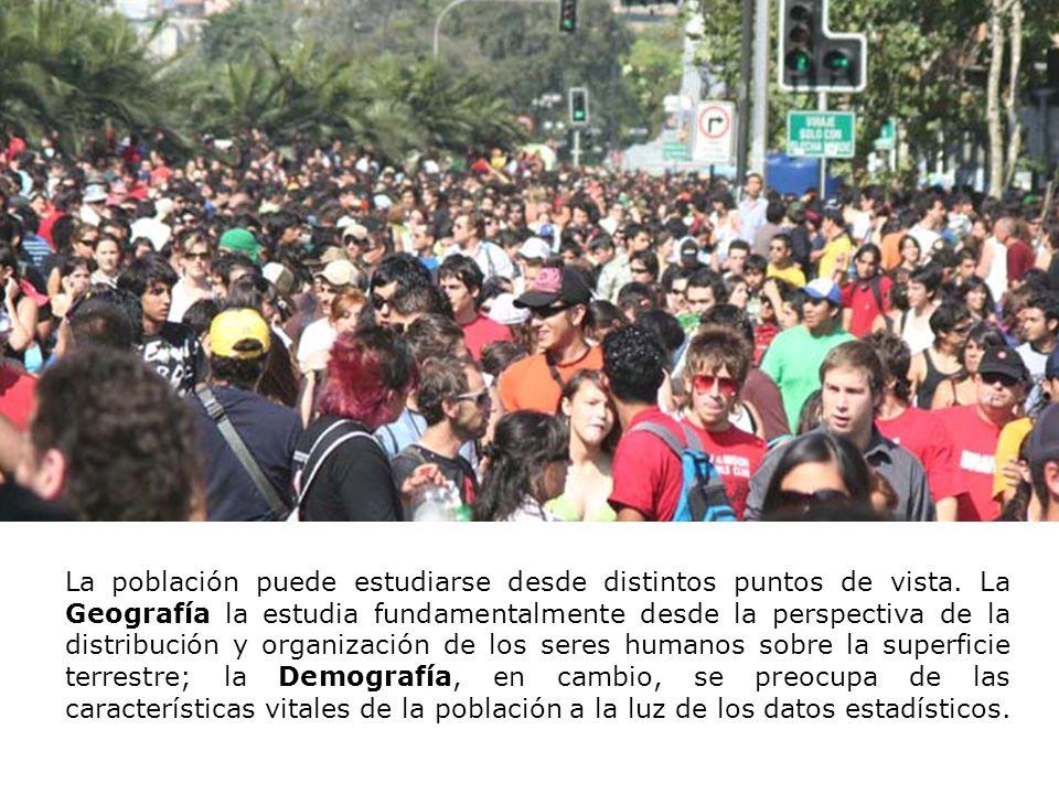 Los instrumentos demográficos que se utilizan para obtener los datos son: Registro Civil: Entidad que registra los datos vitales (nacimientos, matrimonio, decesos) de los chilenos.