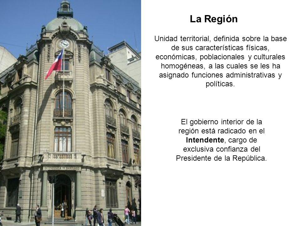 El gobierno interior de la región está radicado en el Intendente, cargo de exclusiva confianza del Presidente de la República. La Región Unidad territ