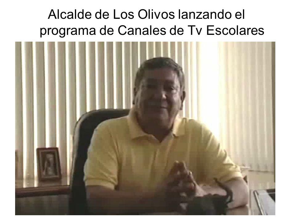 Alcalde de Los Olivos lanzando el programa de Canales de Tv Escolares
