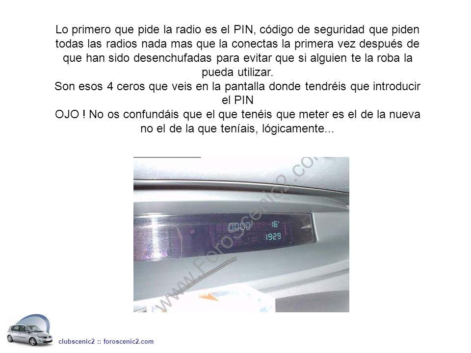 Lo primero que pide la radio es el PIN, código de seguridad que piden todas las radios nada mas que la conectas la primera vez después de que han sido desenchufadas para evitar que si alguien te la roba la pueda utilizar.