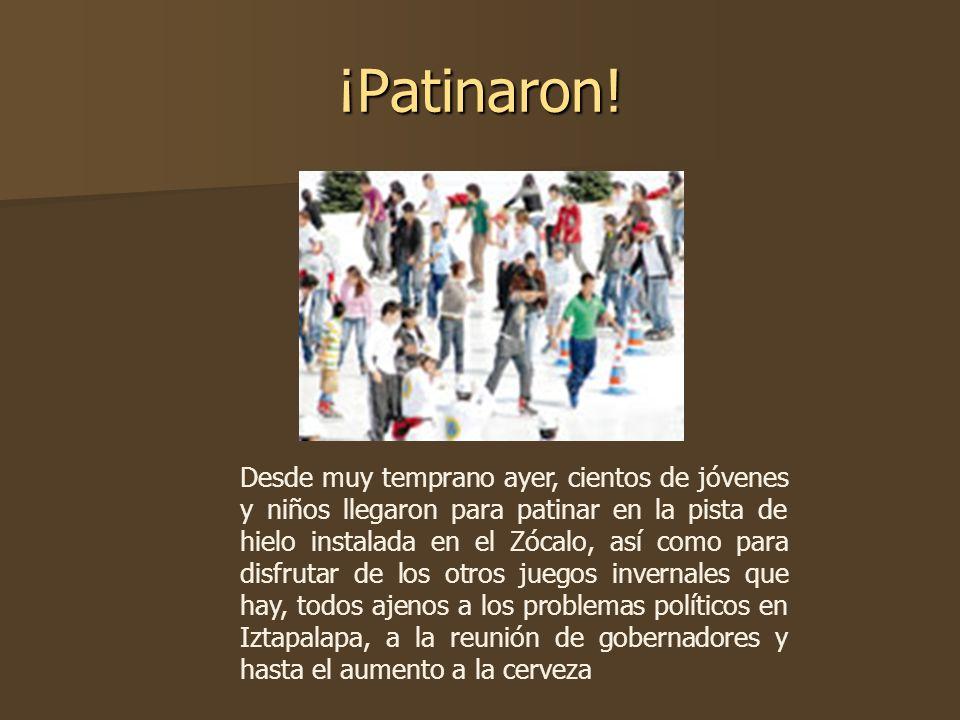 ¡Patinaron! Desde muy temprano ayer, cientos de jóvenes y niños llegaron para patinar en la pista de hielo instalada en el Zócalo, así como para disfr