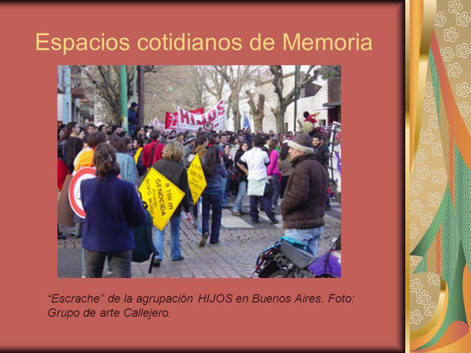 Espacios cotidianos de Memoria Escrache de la agrupación HIJOS en Buenos Aires. Foto: Grupo de arte Callejero.