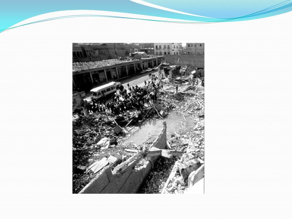 Impacto en la población civil Destrucción de Irak: Se podría decir a grandes rasgos de que la Guerra del Golfo terminó por destruir una sociedad que e
