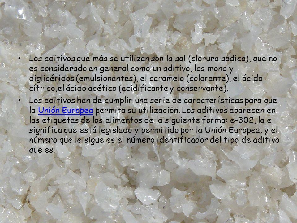 Los aditivos que más se utilizan son la sal (cloruro sódico), que no es considerado en general como un aditivo, los mono y diglicéridos (emulsionantes