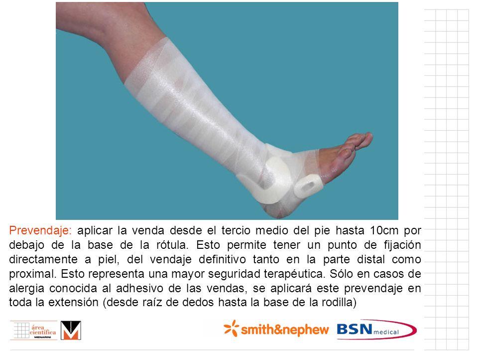Prevendaje: aplicar la venda desde el tercio medio del pie hasta 10cm por debajo de la base de la rótula. Esto permite tener un punto de fijación dire
