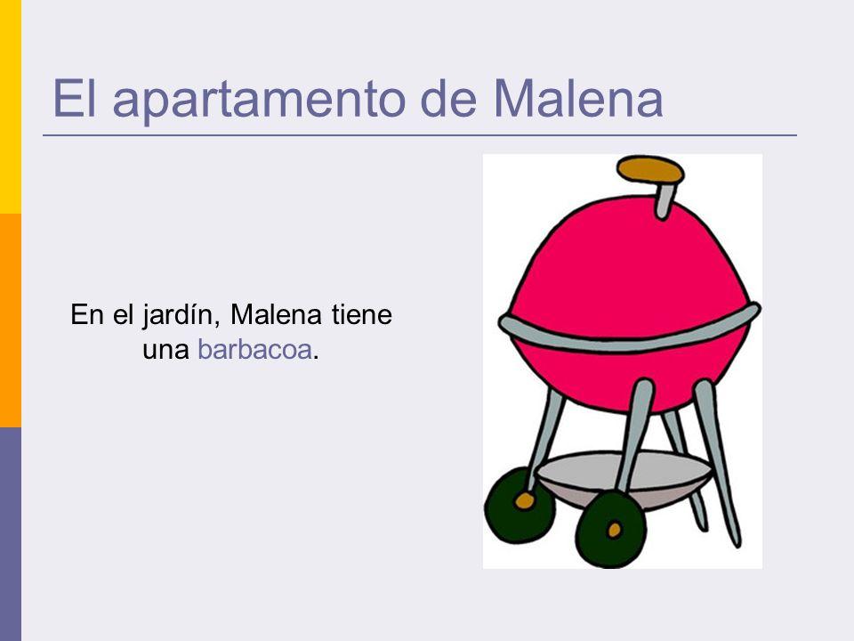 El apartamento de Malena En el jardín, Malena tiene una barbacoa.