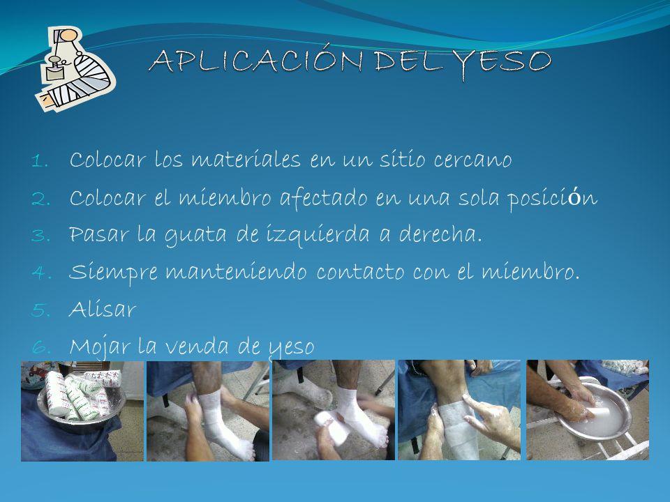 Condiciones para mojar la venda de yeso: - Abrir entre 10 a 20cm - Mantenerlo en agua por lo menos 5 seg.