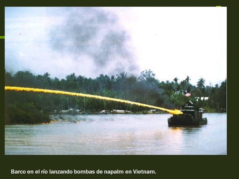 Estrategias utilizadas por EEUU Buscar bases comunistas en selva Destruir aldeas que escondieran guerrilleros Buscar y destruir Utilizados para movili