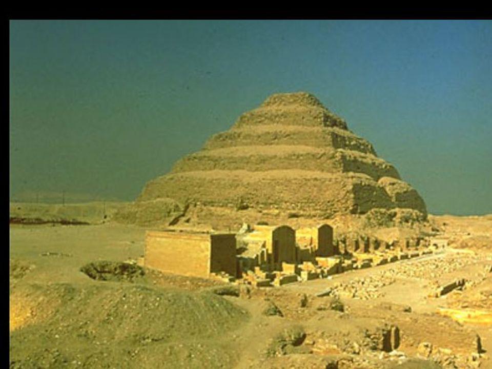 REINO ANTIGUO 2778 - 2200 ac Dinastías III - IV - V - VI III Dinastía Djeser capital Menfis tumba Saqqarah Pirámide escalonada Templo conquista Nubia