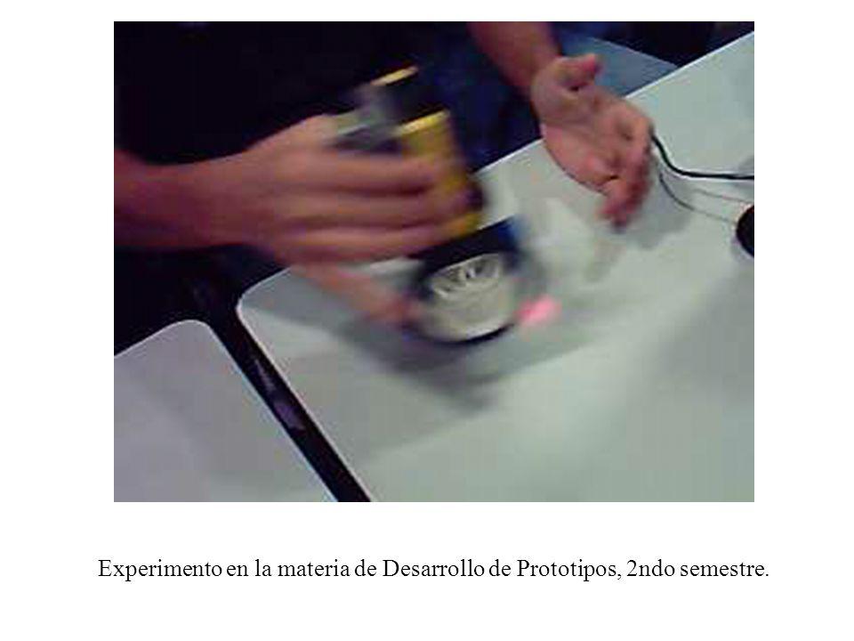 En la Facultad de Matemáticas contamos con 3 Líneas de Investigación del Cuerpo Académico de Ciencias de la Computación relacionados con la Licenciatura en Ingeniería Computacional ( 4 miembros del S.N.I., 2 Pérfil PROMEP) Instrumentación, Control, Visión y Robótica Teoría Computacional Aplicaciones de Hardware y Software