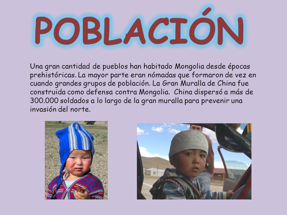 Una gran cantidad de pueblos han habitado Mongolia desde épocas prehistóricas. La mayor parte eran nómadas que formaron de vez en cuando grandes grupo