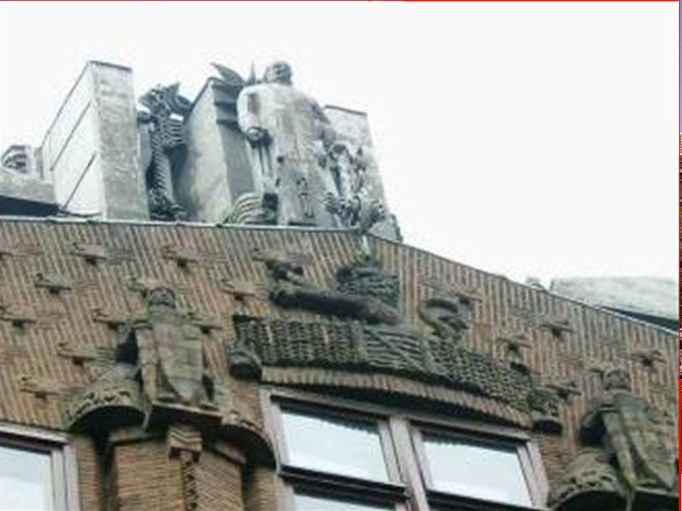 EXPRESIONISMO ARQUITECTÓNICO Escuela de Amsterdam 1915-1930 J.M. van der Mey - M. de Klerk - P. Kramer Casa de la navegación 1912-1916 un edificio de