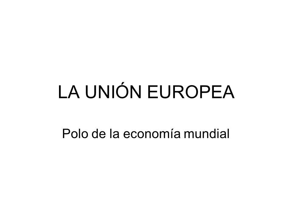 Algunos datos Unión Europea (27) Estados Unidos JapónChina Población 2009/10 (millones hab.) 4983151271.353 P.I.B.
