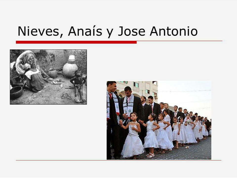 Nieves, Anaís y Jose Antonio