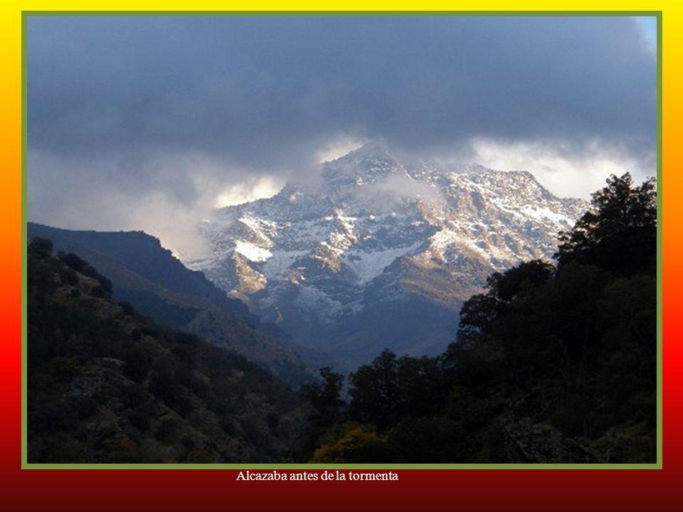 Alcazaba. El tercero en altura de Sierra Nevada con 3.371 metros