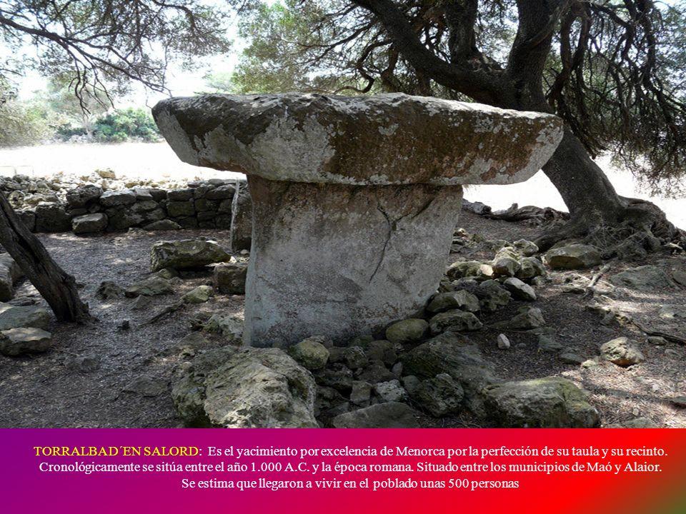 TAULA DE TREPUCÓ: A unos dos kilómetros de Maó en dirección a San Luis se ubica el poblado talayótico de Trepucó. Conserva un enorme talayot central y