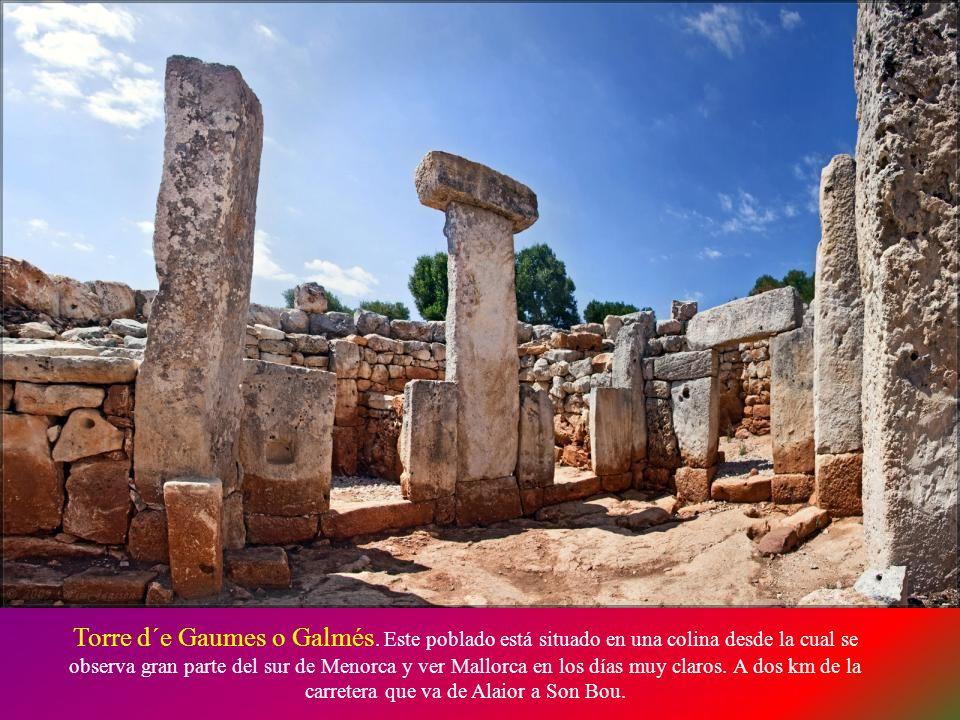 El poblado talayótico de San Catlar, tiene una extensión de 3,5 hectáreas. Es el único monumento de las Islas Baleares que conserva íntegramente la mu