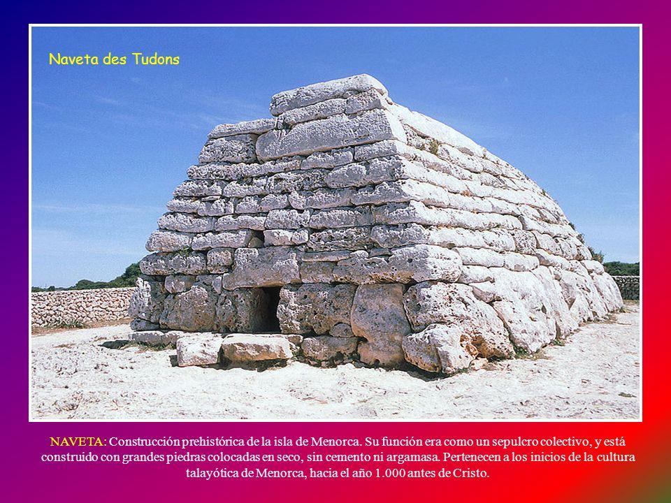 La Isla de Menorca es un paraíso para los aficionados a la arqueología, ya que en ella hay numerosos monumentos megalíticos, desperdigados por toda la