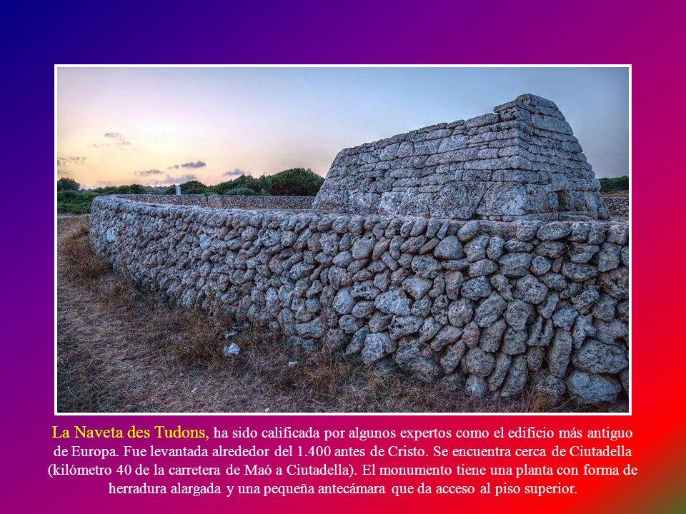 Naveta des Tudons NAVETA: Construcción prehistórica de la isla de Menorca. Su función era como un sepulcro colectivo, y está construido con grandes pi