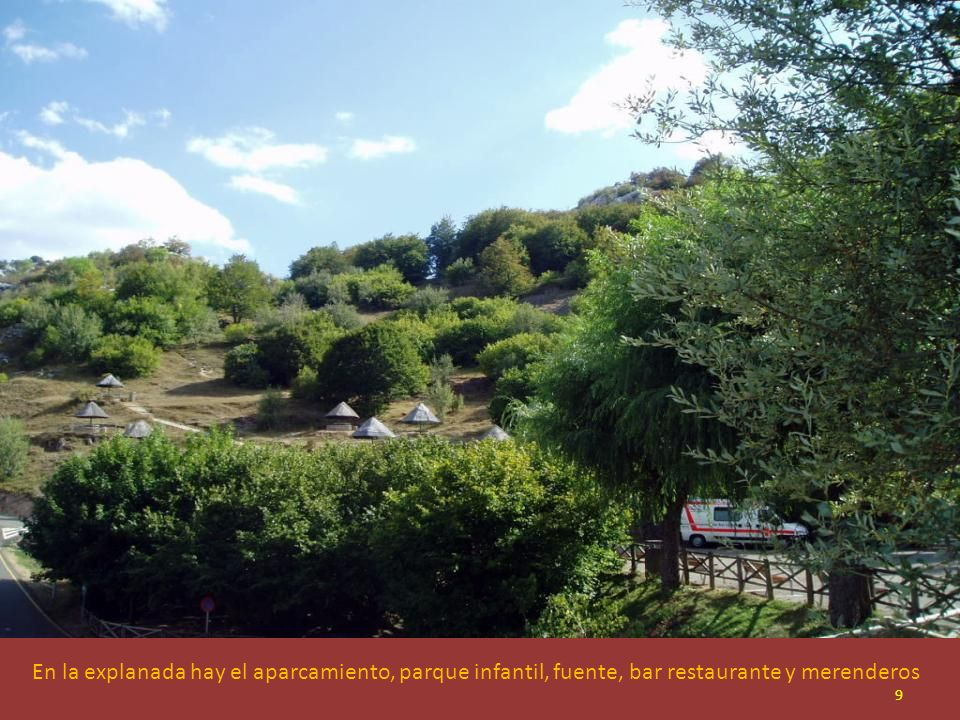 A unos 200 m. de Valporquero se encuentra la explanada de llegada a la Cueva. En el centro de la imagen las taquillas y demás servicios 8