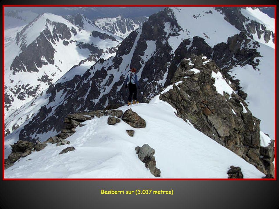 Vertiente norte del Besiberri (3.015 metros)