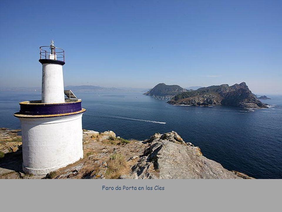 Playa Area dos Cans – Isla de Ons Las Islas de Ons forman un archipiélago situado en la boca de la Ría de Pontevedra.