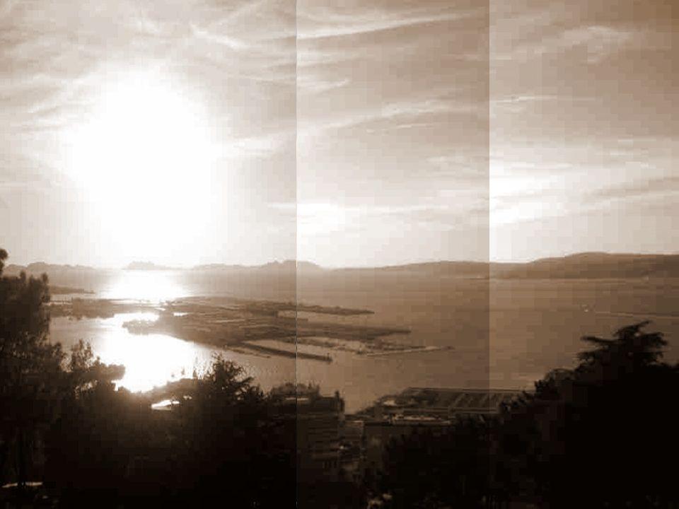 La Ría de Vigo, es la más profunda y meridional de todas las Rías bajas. Está en el sur de la provincia de Pontevedra. Su acceso occidental está prote