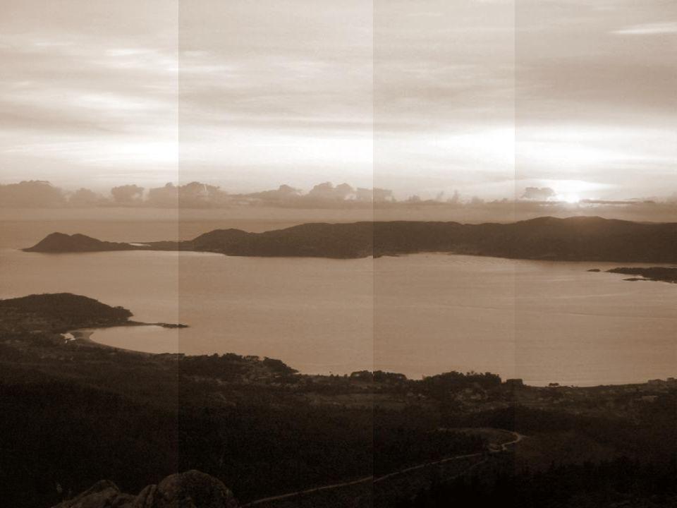 Ría de Arosa.Es la mayor de las Rías de Galicia y de toda España.