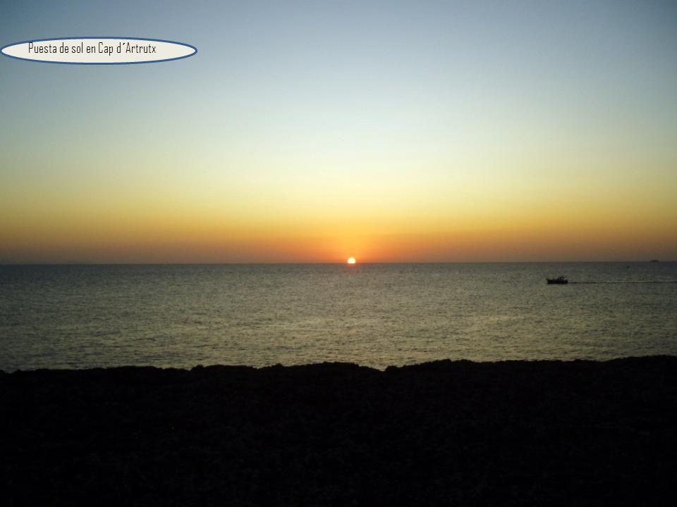 Faro del Cabo d´Artrutx, a 12 km. De Ciutadella