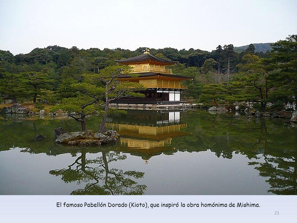 Kinkakuji (el Pabellón Dorado), quizás el templo más famoso de Kioto. 20
