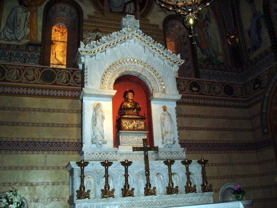 Interior del Monasterio de Santa María de Ripoll.