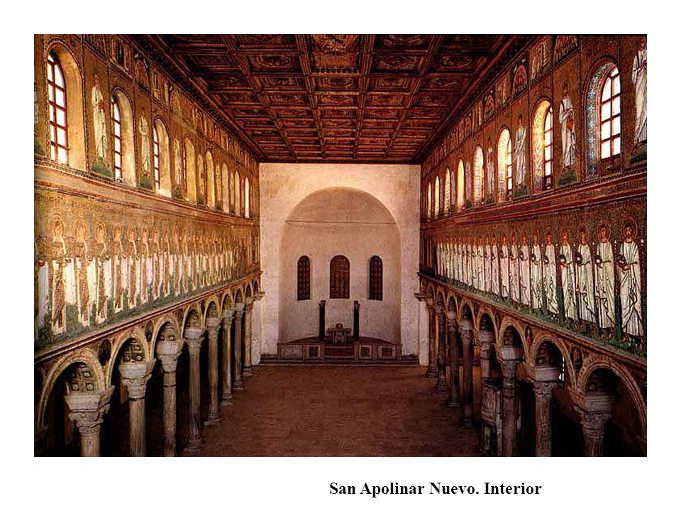 San Apolinar Nuevo. Interior