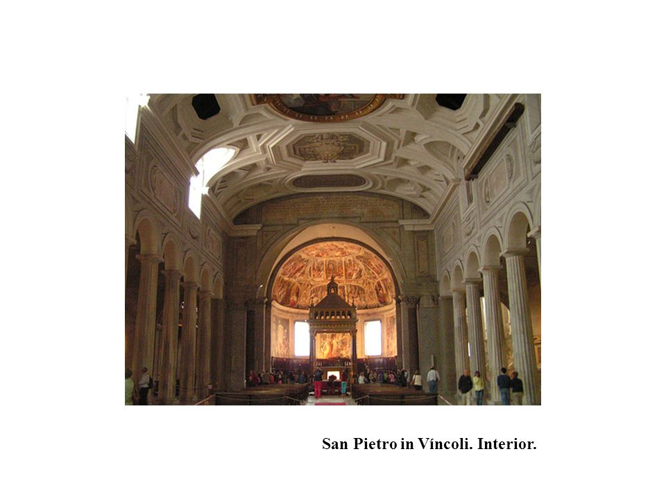 San Pietro in Víncoli. Interior.