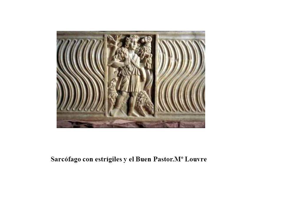 Sarcófago con estrígiles y el Buen Pastor.Mº Louvre