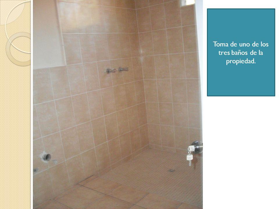 Toma de uno de los tres baños de la propiedad.