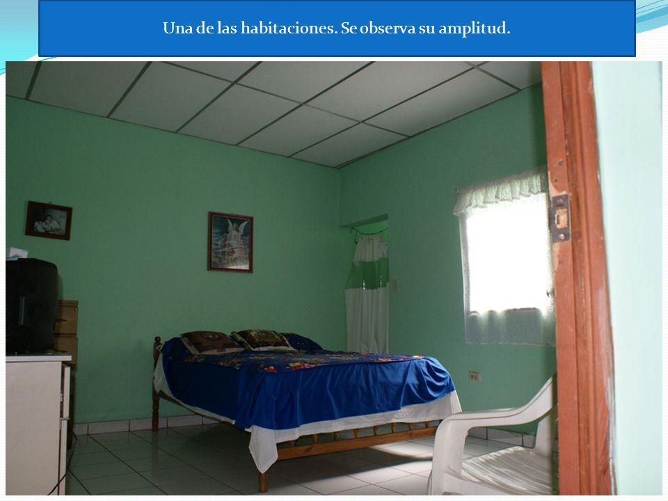 Segunda habitacion, sus pisos bonitos y su amplitud.