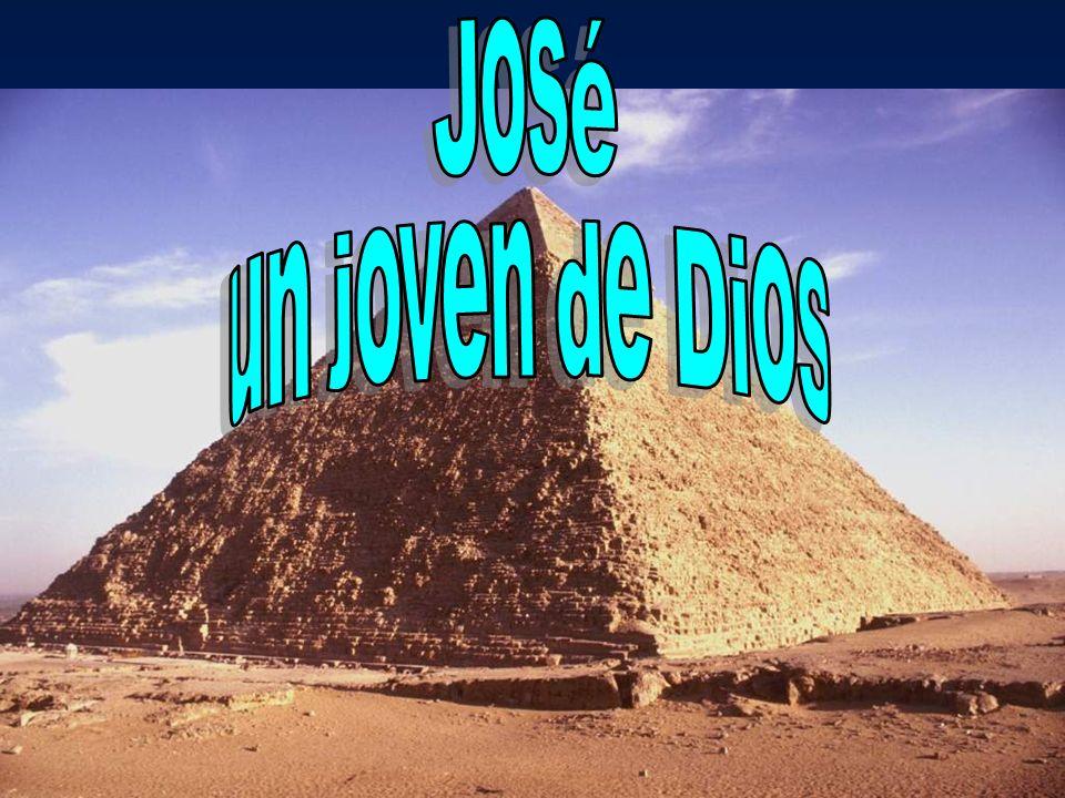 26Y vino José a casa, y ellos le trajeron el presente que tenían en su mano dentro de la casa, y se inclinaron ante él hasta la tierra.