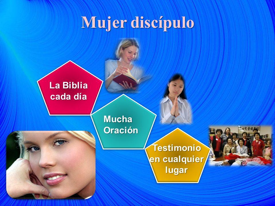 Mujer discípulo La Biblia cada día MuchaOración Testimonio en cualquier lugar