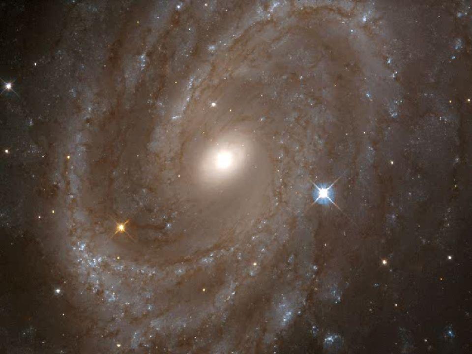 La Tierra es el único planeta del sistema solar en el que hay vida, hasta el momento, debido a las condiciones que la favorecen: no es el planeta más grande, pero tampoco es el más pequeño; no es el más frío, aunque tampoco es el más caliente; sus movimientos de rotación y traslación no son los más veloces, pero tampoco son los más lentos; no es el más cercano al Sol, ni es el más alejado de él, lo que significa que recibe luz y calor suficientes.