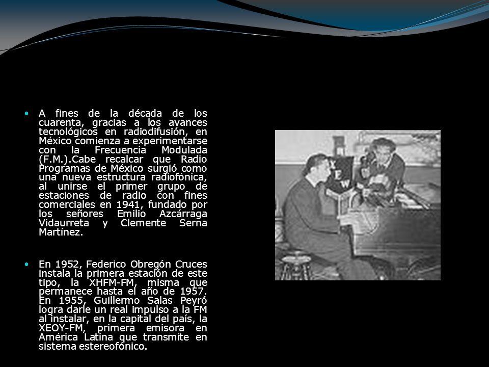 En la década de los cuarenta comenzó a transmitirse el Noticiero Continental, que estaba integrado por Pedro Freís Santacruz, Ricardo Medina, Emilio De Ygartua, Gonzalo Castellot y Jacobo Zabludovsky, y se limitaban a leer las notas publicadas en los diarios.
